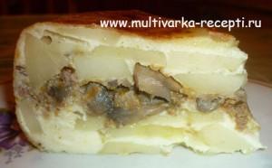Картофельная запеканка с фаршем и грибами в мультиварке