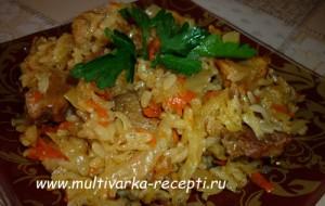 тушеная капуста с мясом и рисом в мультиварке