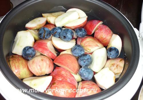 компот из слив и яблок в мультиварке