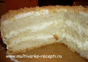 Торт бисквитный в мультиварке со сметанным кремом