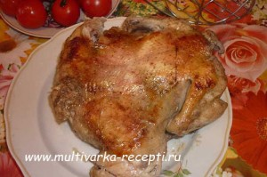 """Целая курица на """"Выпечке"""" в мультиварке"""