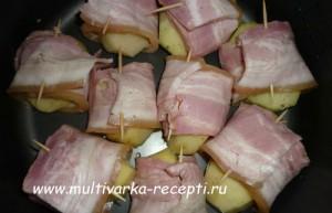 Картофель в беконе в мультиварке