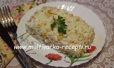 salat-s-krabovyimi-palochkami