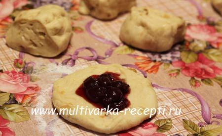 bulochki-s-povidlom-v-multivarke-5
