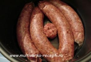 Домашние колбаски приготовленные в мультиварке