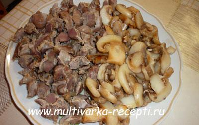 Куриные желудки с грибами