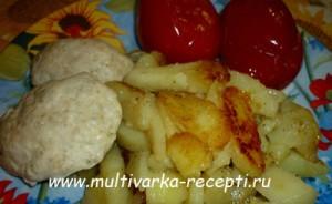 Картофель, жареный и котлеты «на пару» в мультиварке