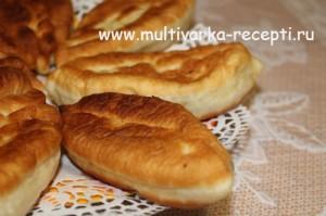 Жареные пирожки с творогом и ливерной колбасой