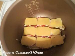 Филе минтая под сырной шубой в мультиварке