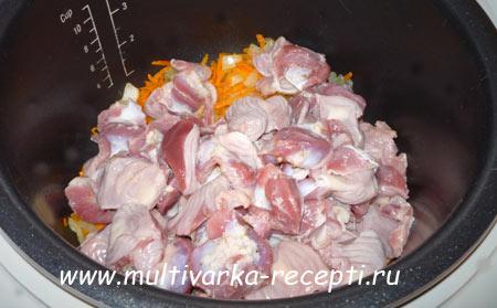 kurinyie-zheludki-v-tomatno-soevom-souse-v-multivarke