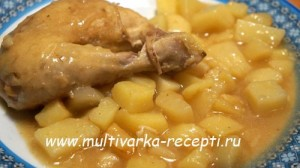 Курица, тушеная в яблочном соке в мультиварке