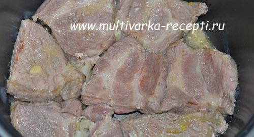 жарим мясо с ананасами в мультиварке