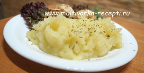 картофельное пюре с печеным чесноком в мультиварке