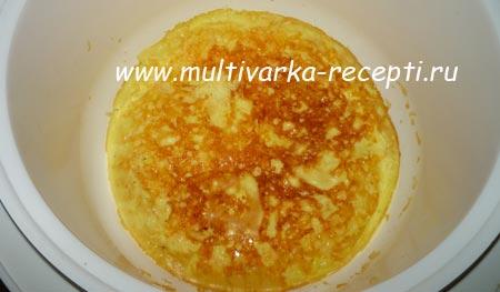 omlet-s-syrom-v-multivarke-4