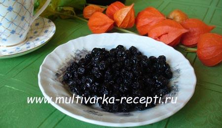 izyum-iz-chernoplodnoj-ryabiny-recept