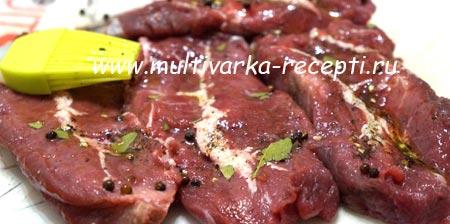 steik-iz-govyadiny-v-multivarke-1