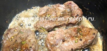 steik-iz-govyadiny-v-multivarke-3