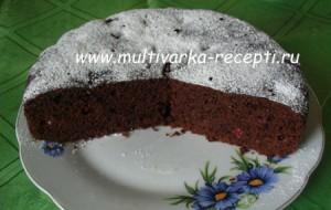 Постный шоколадный кекс с клюквой в мультиварке