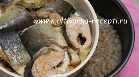 grechka-s-ryboi-v-multivarke-2