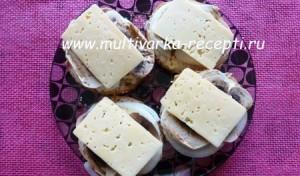 Горячие бутерброды с шампиньонами в микроволновке