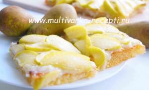 Манный пирог с карамелизованными фруктами
