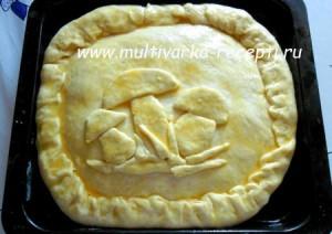 Дрожжевой пирог в духовке с начинкой из кабачков и грибов