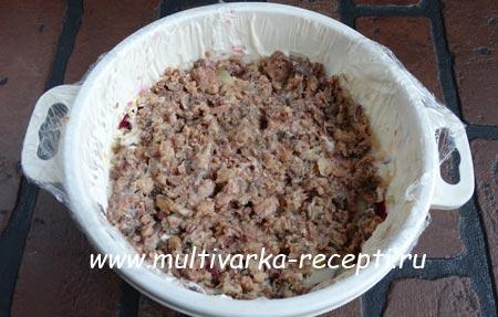 salat iz rybnykh konservov-5