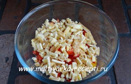 salat-s-kuritsei-i-blinchikami-3