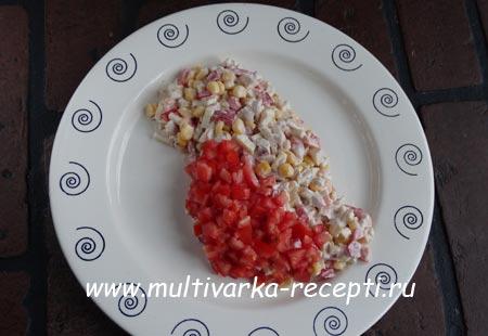 salat-s-kuritsei-i-blinchikami-6