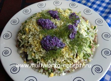 salat-s-tuntsom-i-ogurtsom