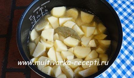 kartoshka-s-pechenyu-v-multivarke-4