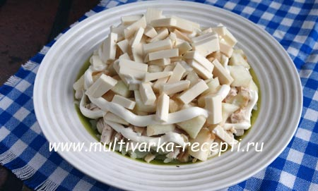 salat-s-yablokami-i-kuricej-4
