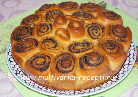 drozhzhevoj-pirog-s-makom-recept