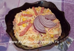 salat-s-kopchenoj-kolbasoj