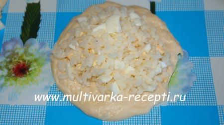 pechenye-pirozhki-s-risom-i-yaycom-6
