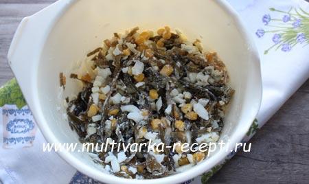 салат-с-морской капусты-с-yajcom-и-kukuruzoj-3