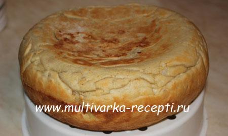 drozhzhevoj-pirog-v-multivarke-recept