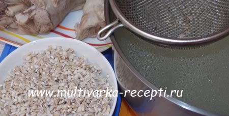 rassolnik-leningradskij-s-perlovkoj-i-ogurcami-3