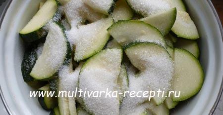 salat-iz-kabachkov-na-zimu-3