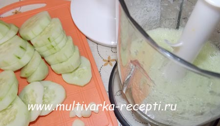 zelenyj-smuzi-iz-ogurcov-3