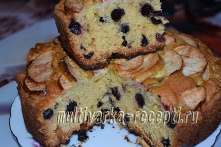 pirog-s-chernoplodnoj-ryabinoj-i-yablokami-Пирог с черноплодной рябиной и яблоками