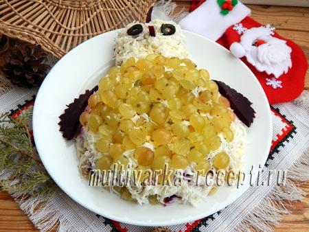 salat-naryadnaya-kurochka-so-svekloj-i-vetchinoj-4