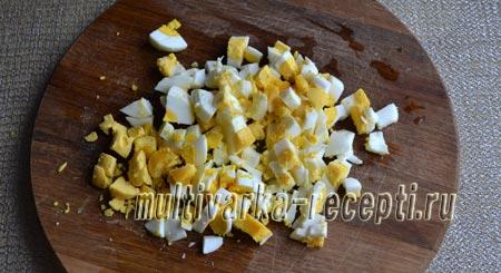 salat-s-marinovannymi-gribami-kartofelem-i-ogurcami-2