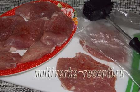 shnicel-iz-svininy-na-skovorode-2