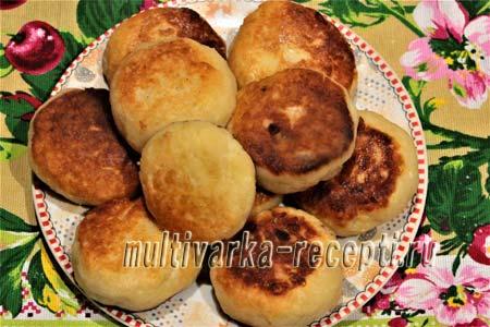 syrniki-iz-tvorozhnoj-massy-recept