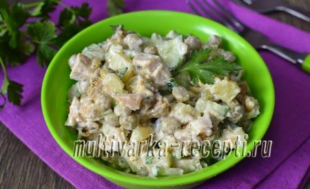 Салат с курицей, горошком и огурцом: рецепт с фото