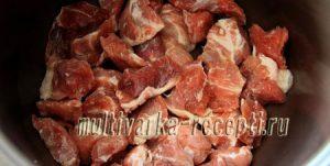 Стручковая фасоль с мясом и картошкой в мультиварке