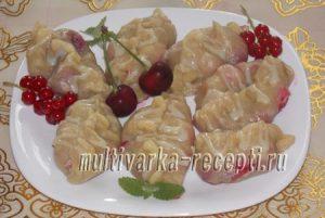 Вареники с ягодами на пару в мультиварке