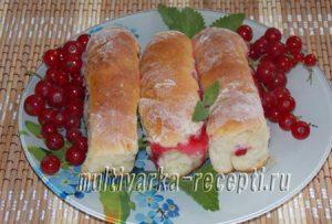 Рецепт вкусных пирожков с ягодами в духовке