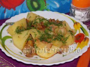 Картошка со шкварками в мультиварке